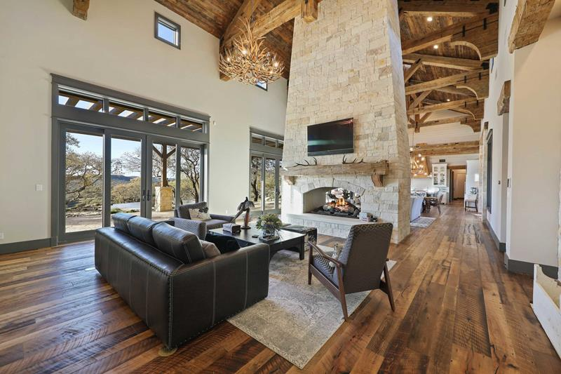 Open and Rustic Setting