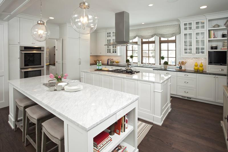 Classic Islands and Cabinets