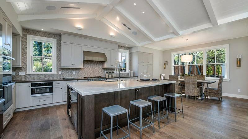 kitchens with vaulted ceilings ideas
