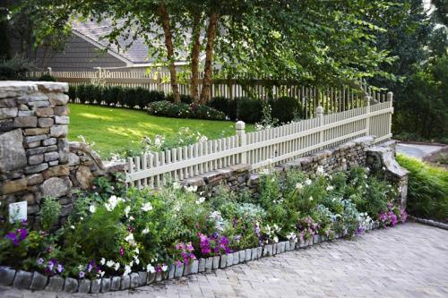 15.-Fence-and-Stone-Style