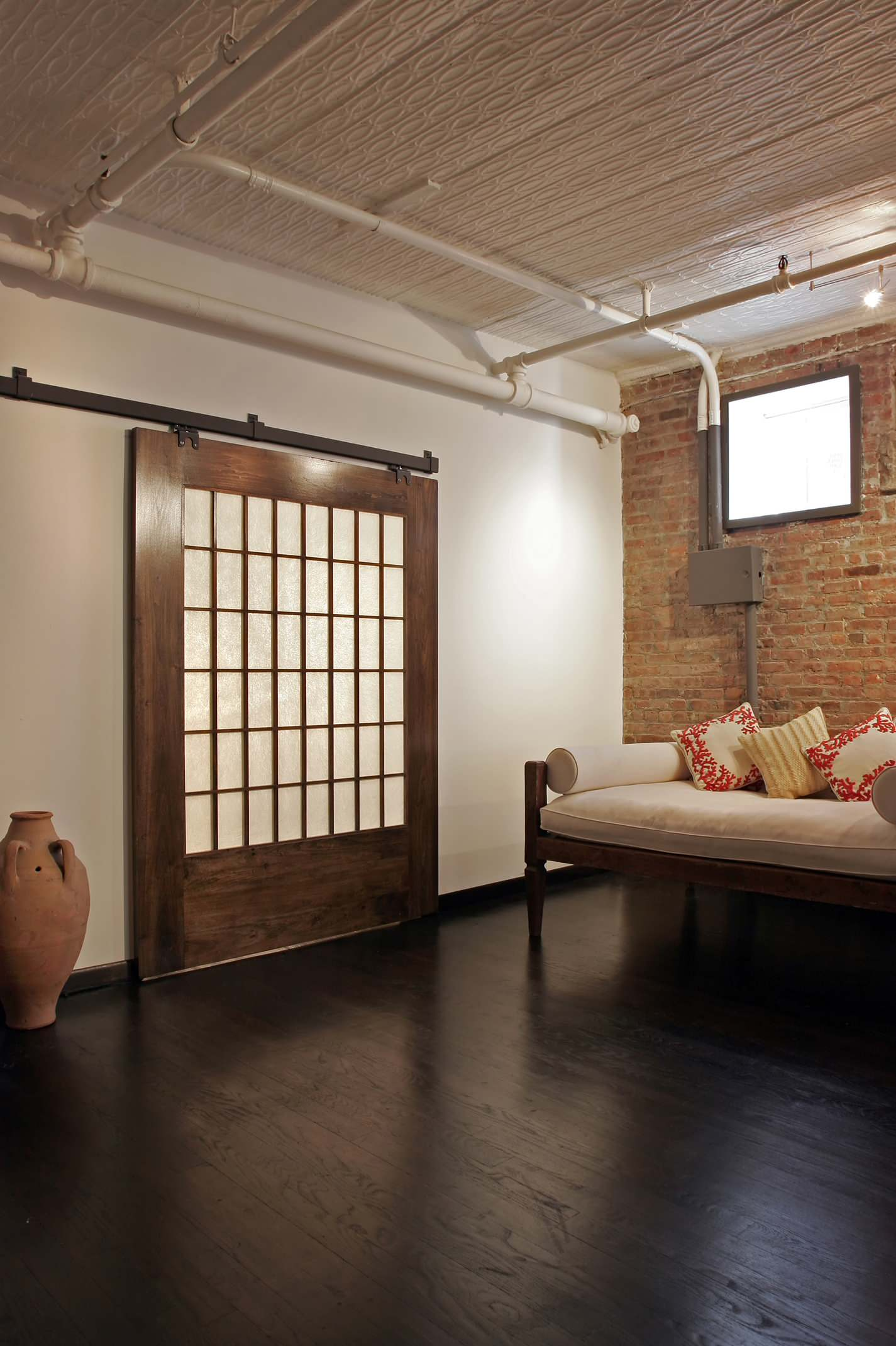 industrial-living-rooms 10